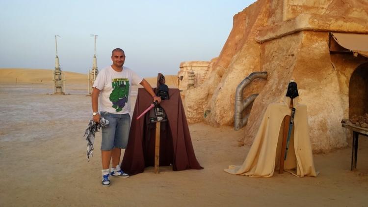 """Матмата, Тунис. Мястото, в което берберите живеят в каменни пещери, в които е роден Анакин Скайуокър и в които са заснети части от """"Нова Надежда""""."""
